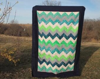 quilt/chevron/blue-green/cream/flourish/bedspread/quilted