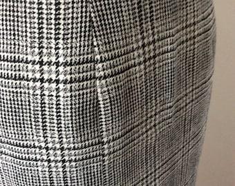 1980s Vintage Skirt - 1980s Skirt - UK Size 12 - Black and White Check Skirt - Pencil Skirt - Fitted Skirt - Wool Skirt - Womens Skirt