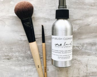 MAKEUP BRUSH CLEANSER // brush cleaning spray // makeup brushes // mua // sanitize // essential oils / disinfect  // makeup // tools
