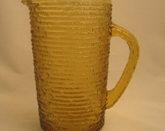 Mid Century Anchor Hocking Glass Textured Soreno Honey Gold Juice Pitcher 26 oz