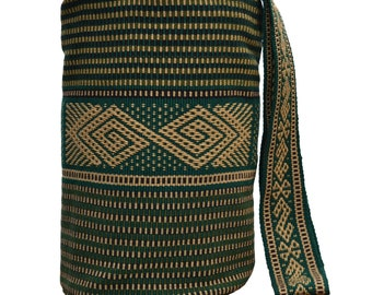 Backpack / handbag in 100% cotton yarn by hand, made by an indigenous Colombian craftsman