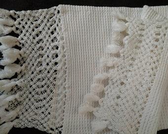 1920s Vintage Waffe Weave Towel Hand Crochet Fringe Edge