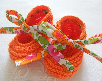 Slippers in orange cotton and LIBERTY Betsy orange 1/3/6 months