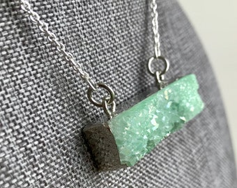 Crystal Pendant*Natural Crystal Necklace*Stone Necklace*Boho Necklace*Green Crystal* Spring Necklace