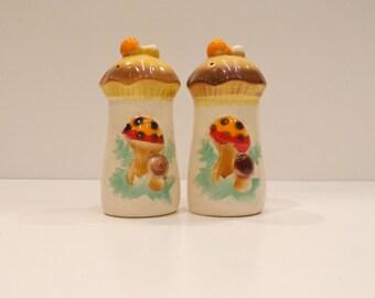 Jahrgang Keramik-Pilz-Salz- und Pfefferstreuer