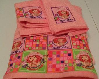 Pink Strawberry Shortcake Towel Set