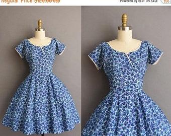 25% OFF SHOP SALE..//.. vintage 1950s Neiman Marcus blue floral full skirt cotton dress Xs Small 50s vintage cotton floral print dress
