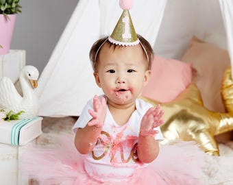 First Birthday Hat, Pink and Gold Party Hat, Mini Glittery Party Hat, Cake Smash Hat, 1st Birthday Hat, Baby Girl's Photo Prop, Glitter Hat