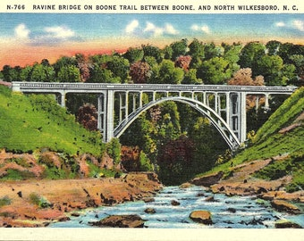 Boone, North Wilkesboro, North Carolina, Boone Trail, Ravine Bridge - Postcard - Vintage Postcard - Unused (L)