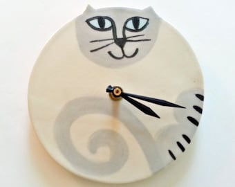 Siamese cat clock: handmade unique Siamese cat round white grey blue eyes ceramic porcelain Rag doll blue silver point wall hanging