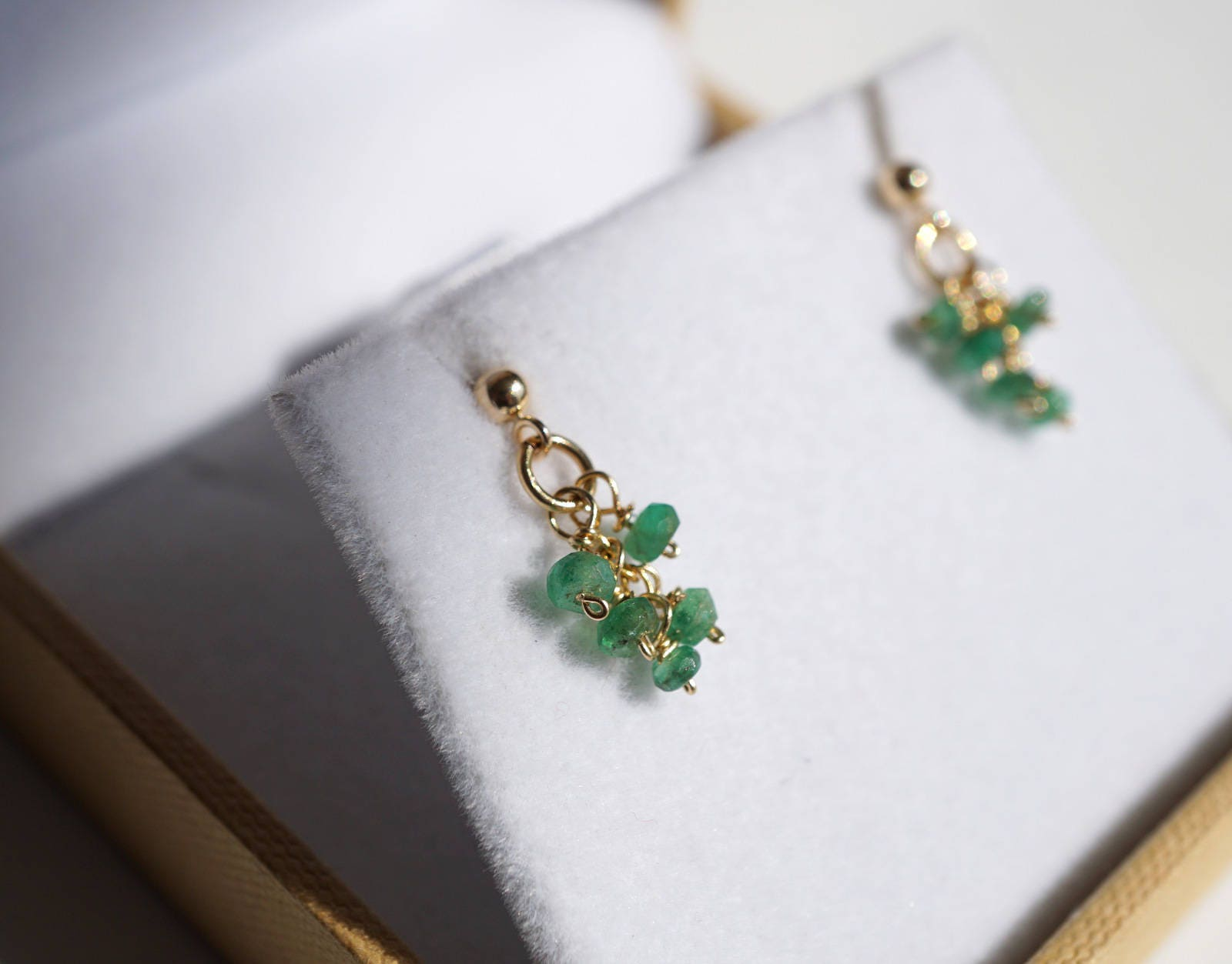in earrings round gold yellow natural mm petite com genuine stud amazon jewelry emerald dp