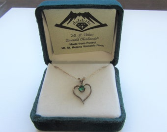 Vintage Mt St Helens Emerald Obsidianite Necklace with Pendant Sterling Silver Vintage New In Box FREE SHIPPING