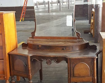 Vintage Vanity  Cottage Fancy Dressing Table Makeup Vanity Desk Bedroom Painted Furniture Girls Room Vanity Seating Chalk