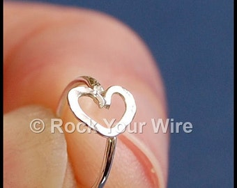 Heart Hoop / Heart Earring / Tiny Cartilage Hoop Earring / Body Jewelry / Tragus Hoop / Helix Hoop
