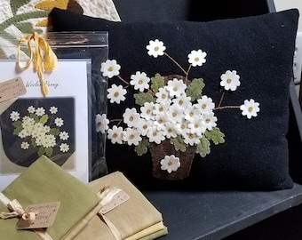 Picking Daisies Wool Applique Pillow kit w/ Pattern, Wools and Backing!