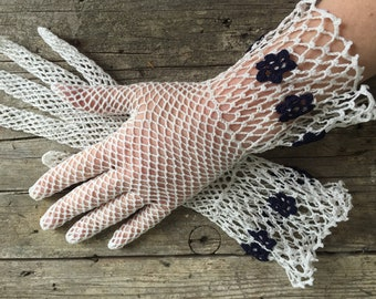 1930s Crochet Gloves, Gauntlet style, white with navy