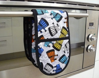 Double Oven Mitt - pot holder dr who darleks bright and colourful