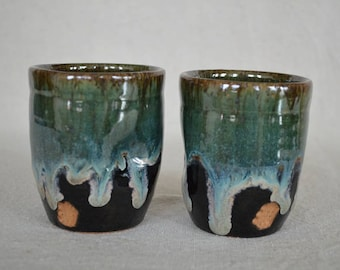 cups, espresso cups, tea cups, drinking cups, sake cups, liqueur cups, pottery cups, black pottery, green pottery cups
