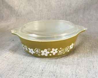 Vintage Pyrex Spring Blossom or Crazy Daisy 1 Pint Casserole with Lid