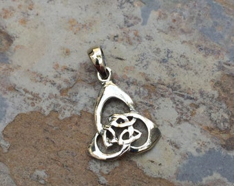 Celtic Trinity Knot Charm, sterling silver, 1 charm, 1 inch