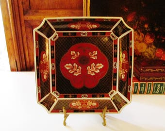 Vintage Chinoiserie Trinket Tray, Imari Porcelain Tray, Imari Red and Black Dish, Home Office Decor, Chinoiserie Dish, Chinese Red Dish