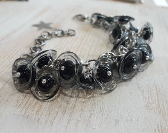 Chain bracelet, artisan Lampwork, 21 small flower black and transparent beads