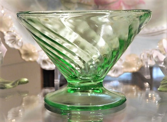 Green Vaseline Uranium Glass / Depression Glass Footed Cup Dessert / Sherbet  / Quantity 9
