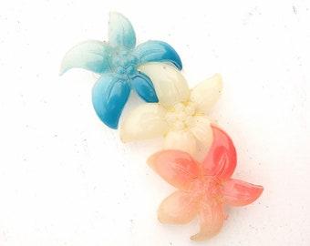 Vintage lily flower brooch #01