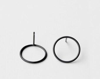 Circles - oxidized silver earring - minimalist oxidized sterling silver circle earring