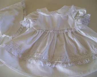 """White dress with matching bonnet to fit 14-16"""" reborn doll"""