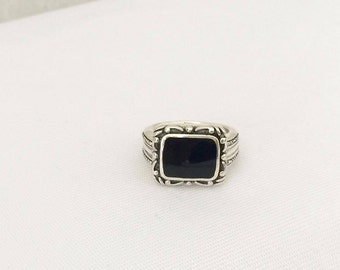 Vintage Sterling Silver Inlay Black Oynx Domed Ring Size 7.5