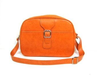 Vintage 60s Bright Orange Travel Bag Large Vinyl Shoulder Bag Train Case Retro Carry On Luggage Suitcase Weekender Bag Hipster