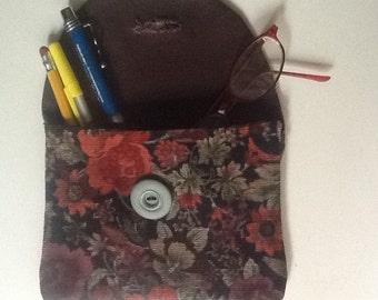 Corduroy print pouch