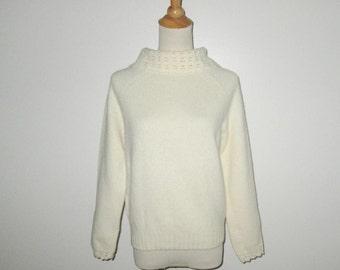 Vintage 1960s Ivory Cream Sweater / 60s Ivory Crochet Sweater / 60s Cream Crochet Sweater By Wondamere - Size M