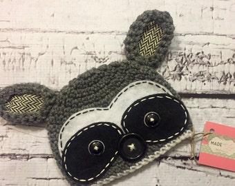 Scout the raccoon crochet hat