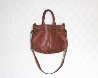 vintage beat up leather satchel // brown leather boho bag // distressed tan leather convertible bag