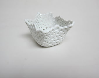 Porcelain Ring Tealight Candle Holder