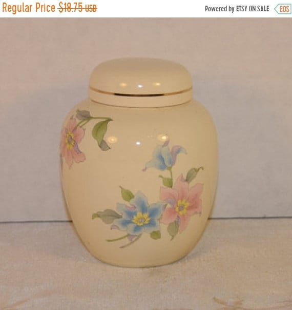Delayed Shipping Floral Ginger Jar Vintage Decorated Lidded Jar Made in Japan Oriental Asian Decor Biscuit Jar Trinket Box Gift for Her Moth