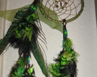Green Feather Organza Dreamcatcher,17.78 cm. in diameter, outstanding feathers capture the imagination bring magic to you,graceful elegance