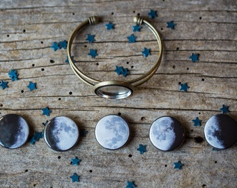 Interchangeable Moon Phase Cuff Bracelet - Silver or Bronze - 5 Lunar Phases, Science Jewelry, Galaxy Jewellery, Geeky Gift, Cosmos, Magnet