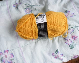 yarn brand elysee wool mustard (yellow)