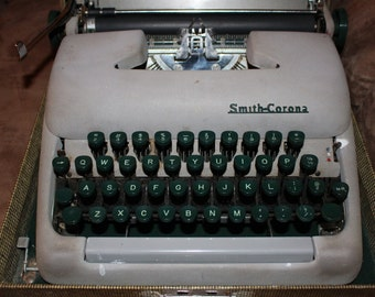 Vintage Smith Corona Typewriter -GREAT FIND-
