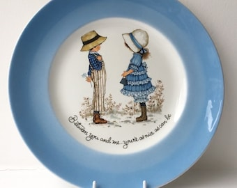 Petticoats and Pantaloons collectors plate Holly Hobbie style decorative 1980s 'Between you and me... you're as nice as can be' retro kitsch