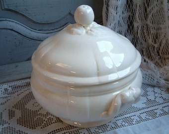 Antique french creamware ironstone tureen. Never Used. NOS. Jeanne d'Arc living, Nordic style decor. Gustavian decor.