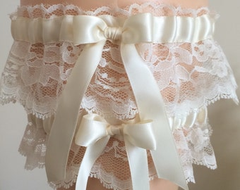 Ivory Lace Wedding Garter Set, Bridal Garter Set, Keepsake Garter, Prom Garter