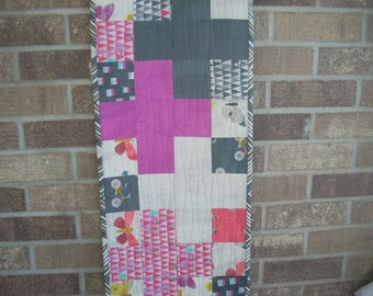 wonder cross tablerunner pattern sheet