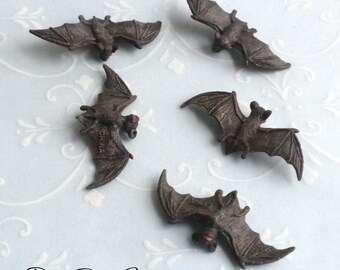 Miniature Bats - Set of 5 - Dollhouse Miniature Halloween Supplies