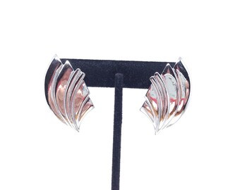 Vintage Estate Silver Tone Grooved Leaf Pierced Earrings Christmas Present - Holiday Gift