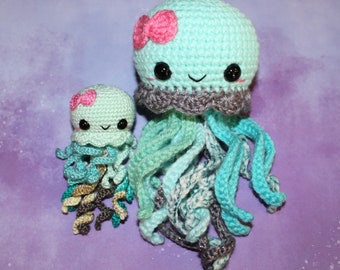 Minty Jellyfish- Amigurumi Jellyfish- Crochet Jellyfish - Mini Jellyfish- Custom Colors Available