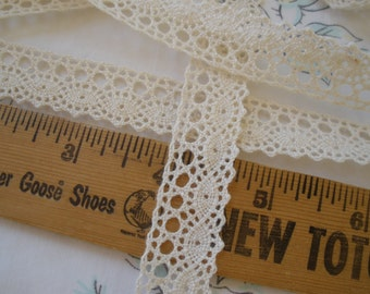 """Natural or White Cotton Cluny Lace Dainty 11/16"""" wide Trim Choose yards Vintage look cotton lace scalloped edge retro crochet bobbin"""
